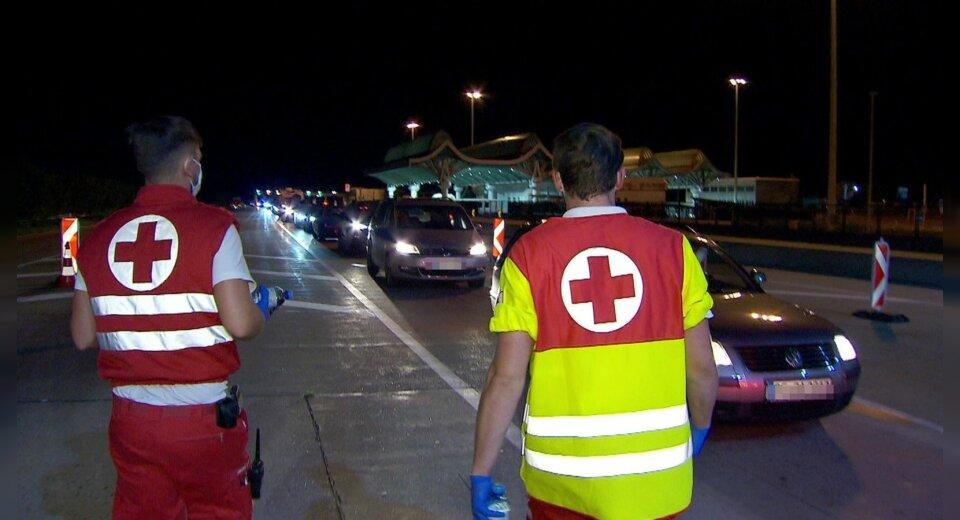 Verschärfte Kontrollen an der slowenisch-österreichischen Grenze sorgen für Chaos