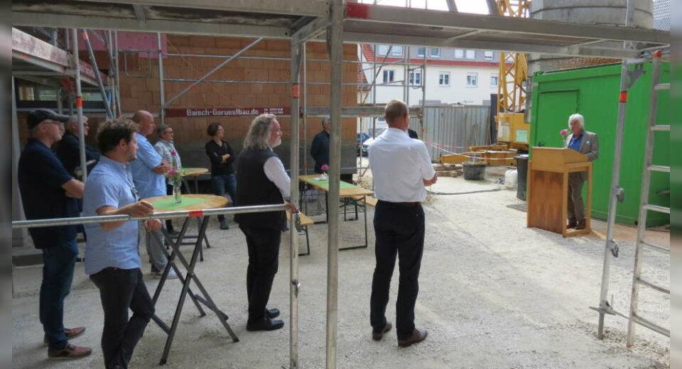 Handwerkerfest im neuen Wohnprojekt in Bitz