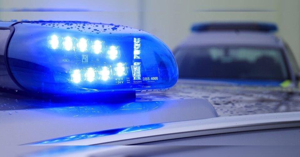 Aggressiver Sohn: 81-Jähriger ruft Polizei, Beamter schießt