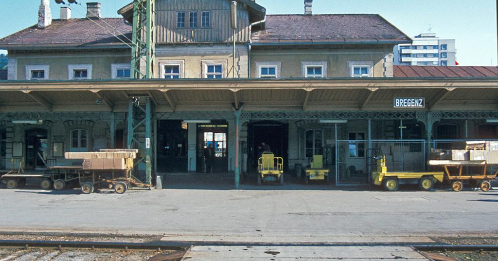 Hier am ehemaligen Bregenzer Bahnhof, der längst Geschichte ist, startete die Bregenzerwaldbahn ihre Fahrt über 35,33 km nach Bezau