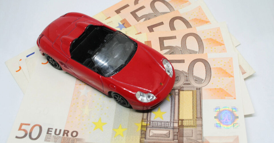 Bei der Wahl der Autoversicherung lassen sich viele hundert Euros sparen