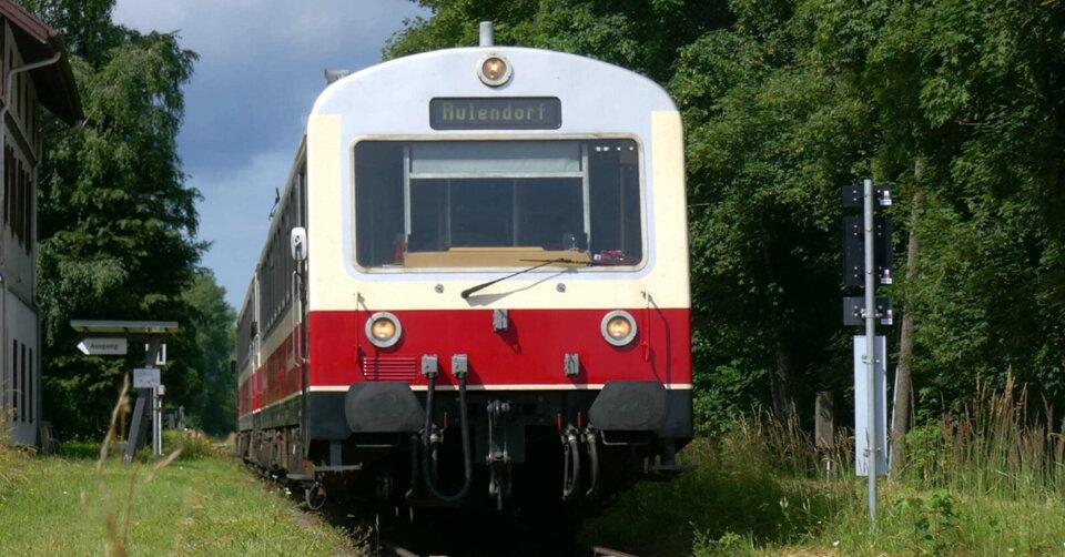 Mit Räuberbahn und Fahrrad ins Pfrunger-Burgweiler Ried