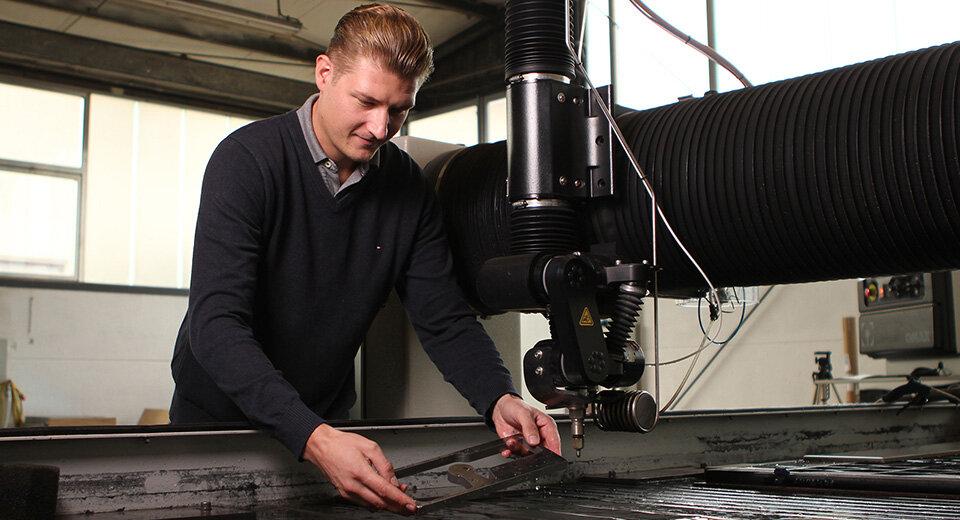 CORTADA: Die Experten für CNC-Fräsen, Wasserstrahl- und Messtechnik