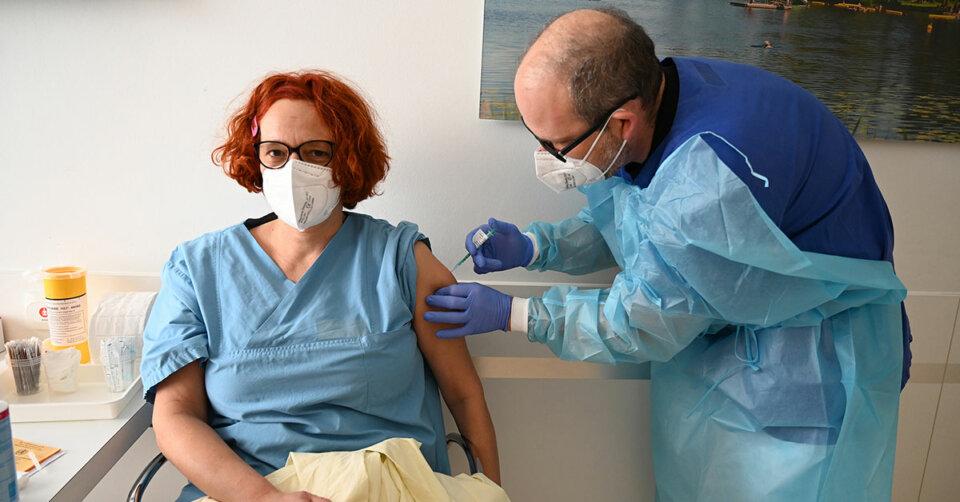 Dank Hilfe der Uniklinik Ulm kann die OSK die ersten Beschäftigten impfen