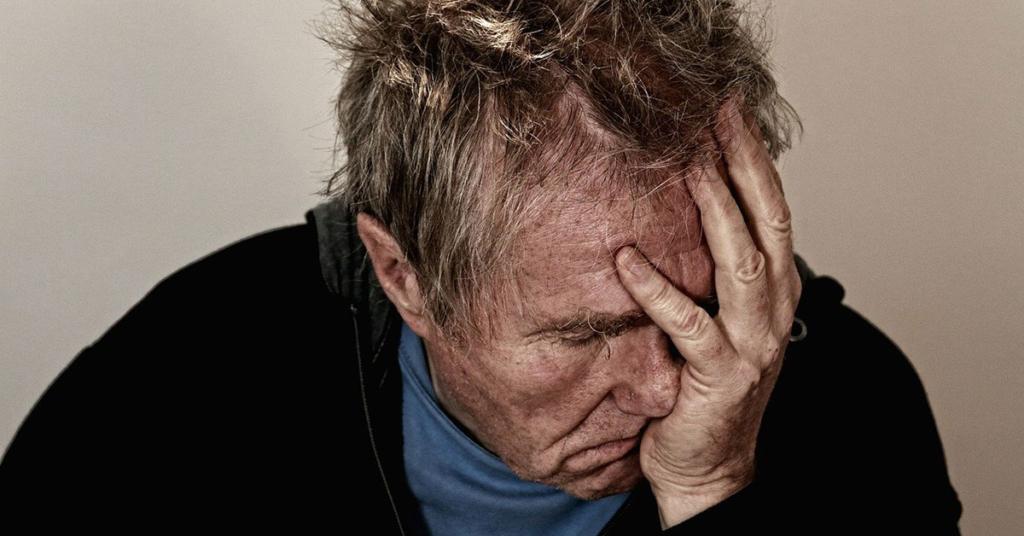 Häufig ist zu beobachten, dass Haushalte mit älteren Menschen von den Bewohnern nicht mehr richtig und regelmäßig gepflegt werden.