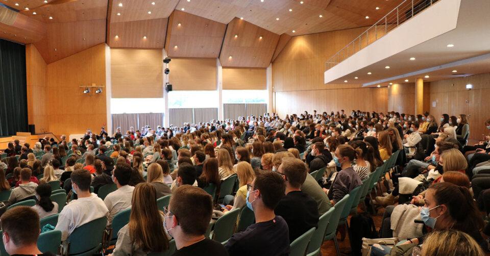 Erstsemester erwecken Campus zum Leben