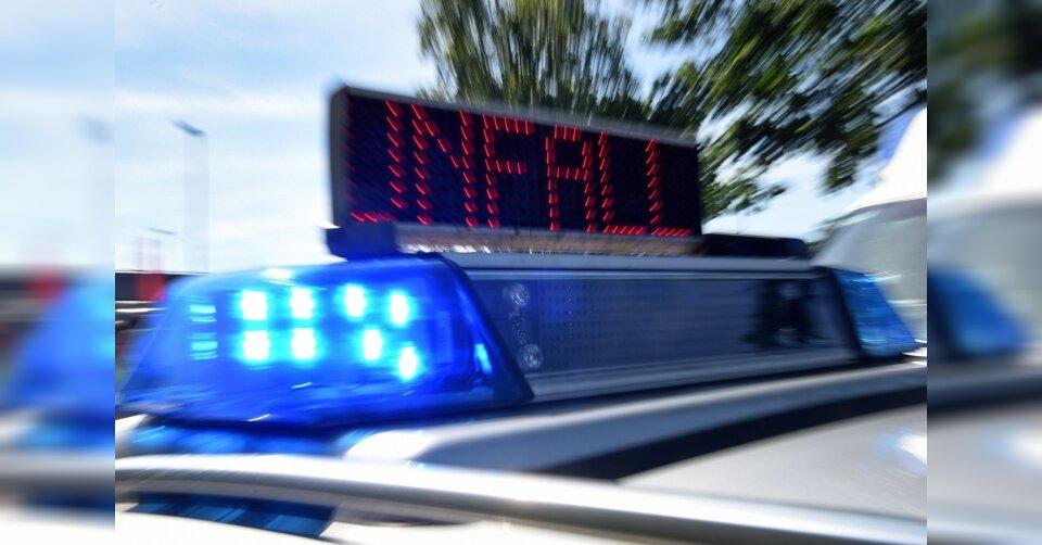 Ferrari-Fahrer rast mit 300 Sachen über Autobahn: Unfall