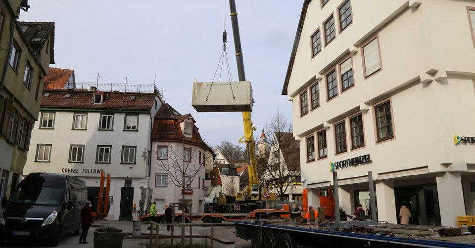 Bauarbeiten Fontänenfeld Schadenhof: Pumpenkammer eingesetzt