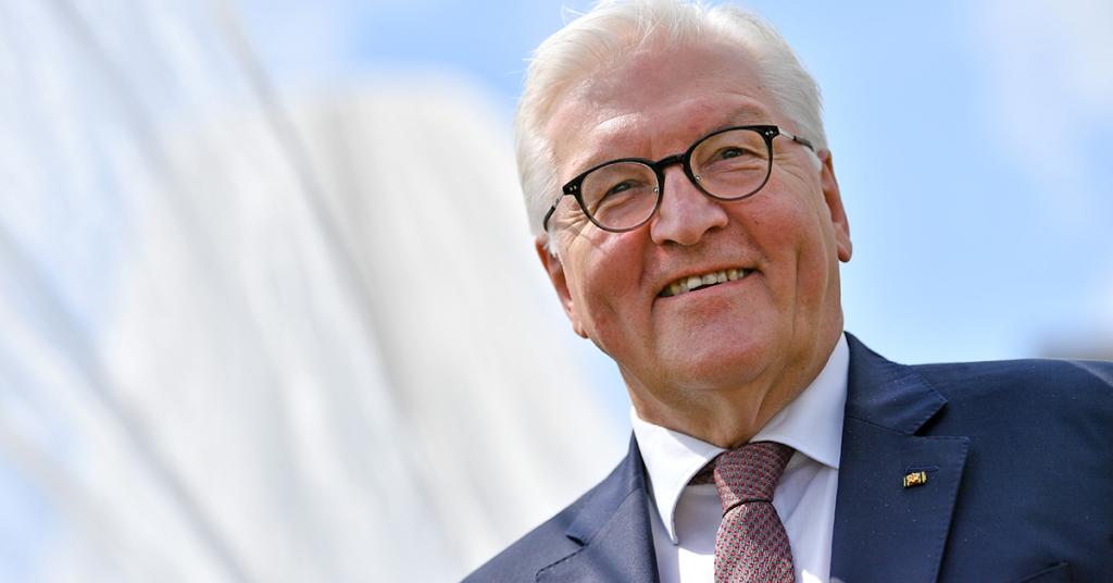 Bundespräsident Frank-Walter Steinmeier gratulierte Schneiderhan zu seinem 75. Geburtstag.