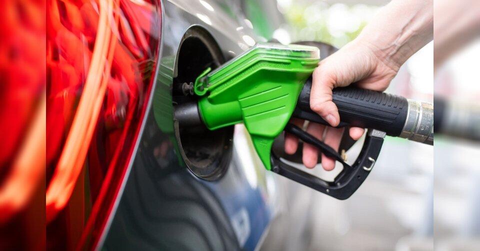 Frau verfolgt Tankbetrüger: 300 Liter Diesel geklaut