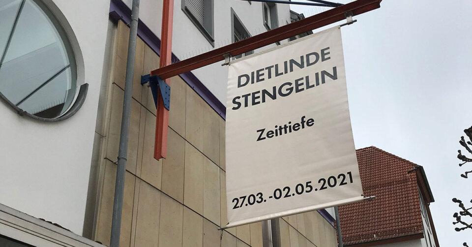 Galerie der Stadt Tuttlingen: Vorzeitiger Abbau der Ausstellung Zeittiefe von Dietlinde Stengelin