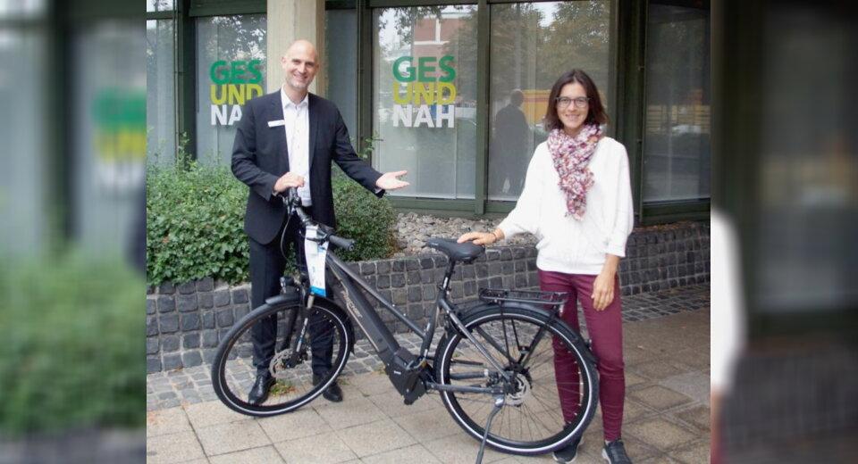 Mit dem Rad zur Arbeit: Ulmerin gewinnt E-Bike