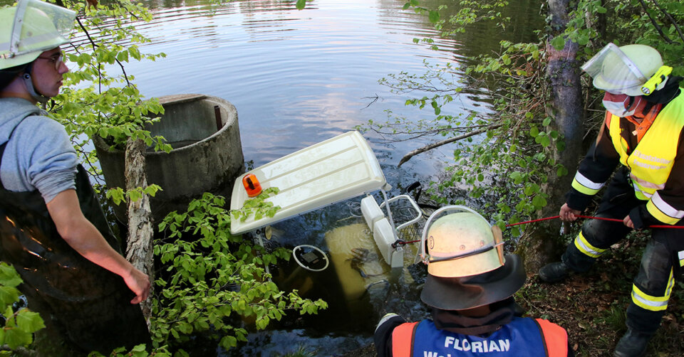 Golfcart auf Sportplatz gestohlen und im Schlachtener Weiher versenkt