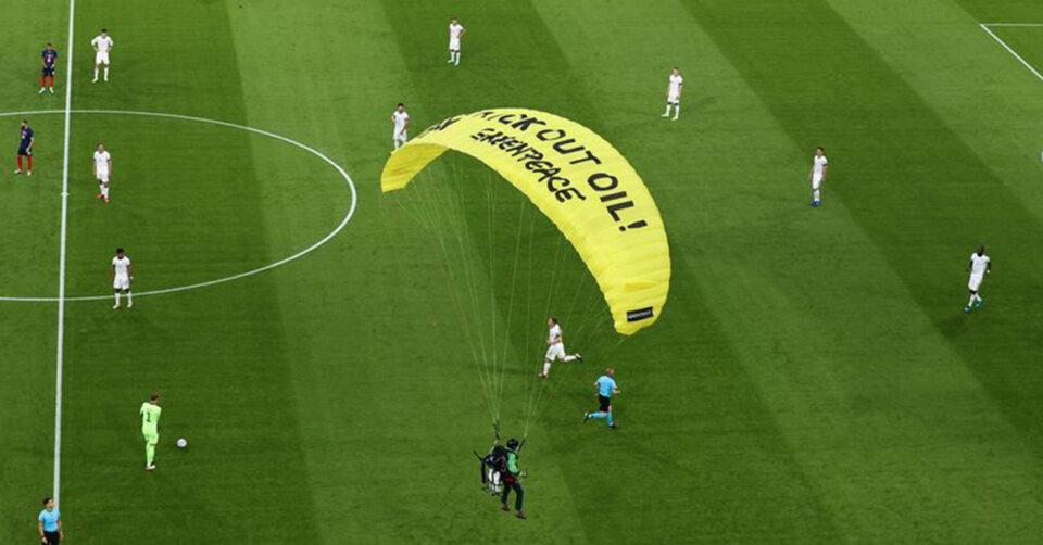 Greenpeace-Aktion löst Diskussion um Stadionsicherheit aus