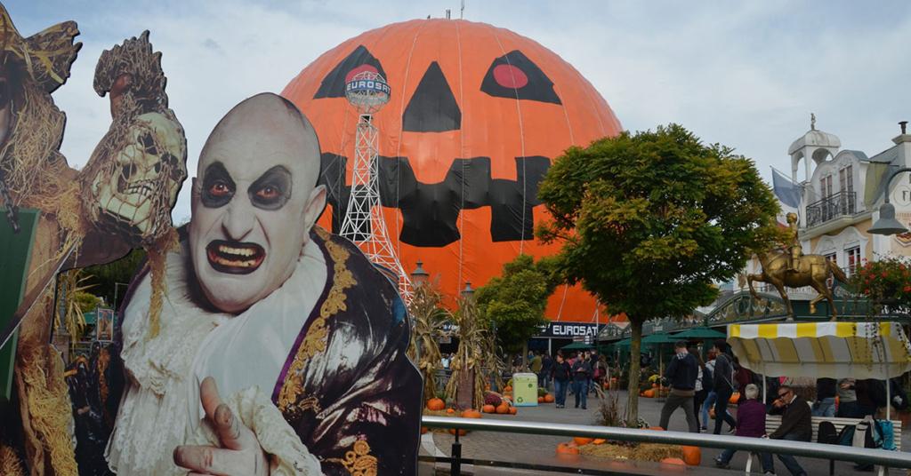 Halloween in Europe Park: durante questo periodo, devi aspettarti fantasmi, vampiri e i loro partner ovunque