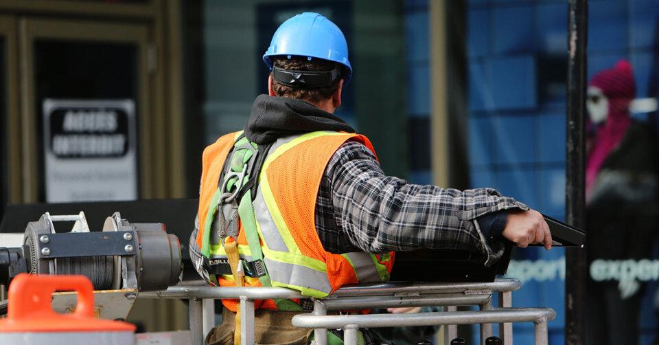 Handwerksbetriebe suchen trotz getrübter Stimmung frische Arbeitskräfte