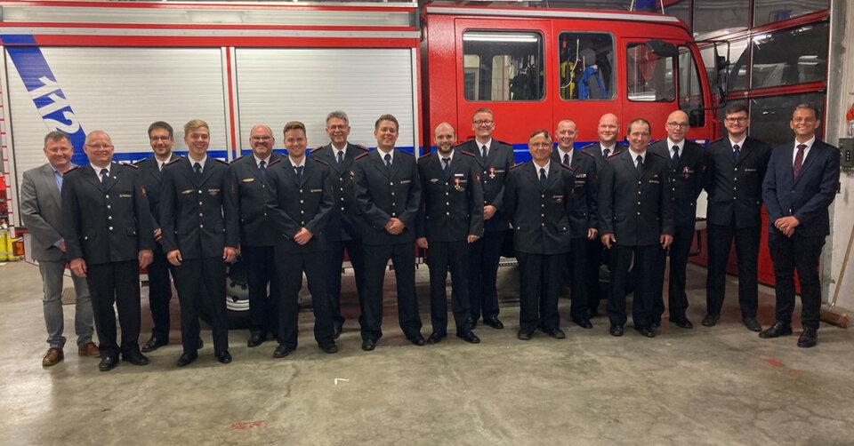 Führungswechsel bei der Ailinger Feuerwehr – Ailinger Ehrennadel in Gold verliehen