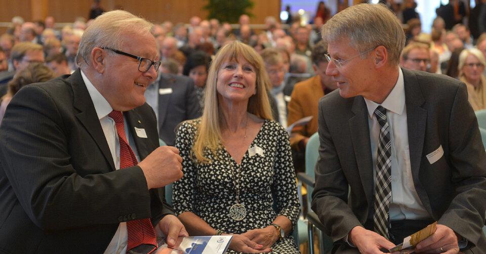 IHK: Peter Jany geht in den Ruhestand – Wirtschaftsjunioren sagen Danke