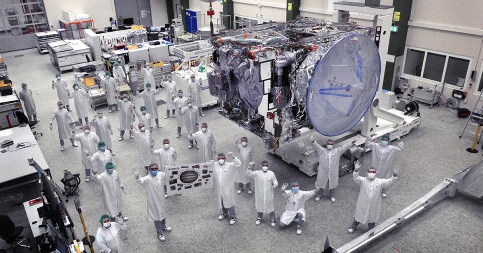 JUICE Jupiter-Sonde zum ersten Mal im Weltraum