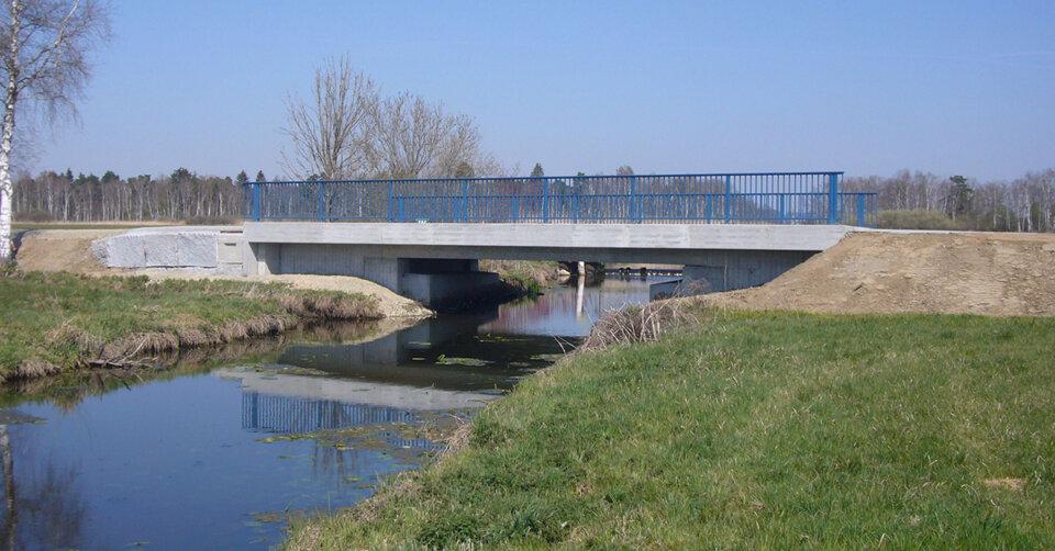 Ersatzneubau der Brücke über die Kanzach und Fahrbahndeckenerneuerung zwischen Bad Buchau und Moosburg – Verkehrsfreigabe am Mittwoch, 5. Mai 2021