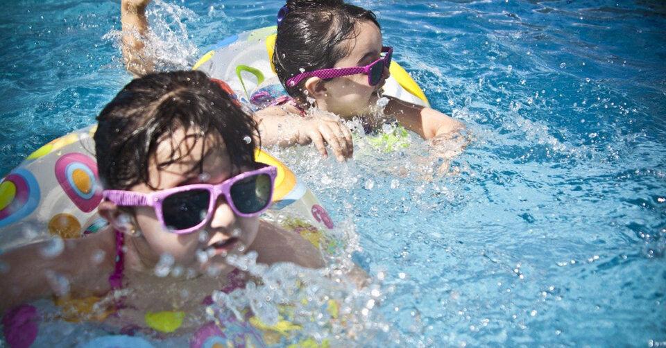 Kindern das Schwimmen näherbringen