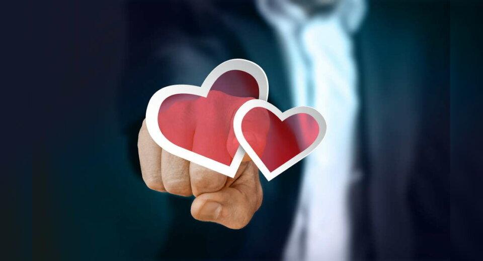 Spitzenkräfte mit Hand und Herz