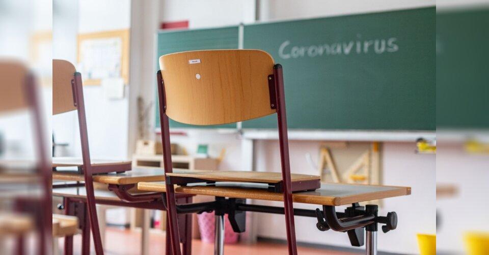 Lehrerverband: Bayerns Schulen nach Ferien weiter schließen