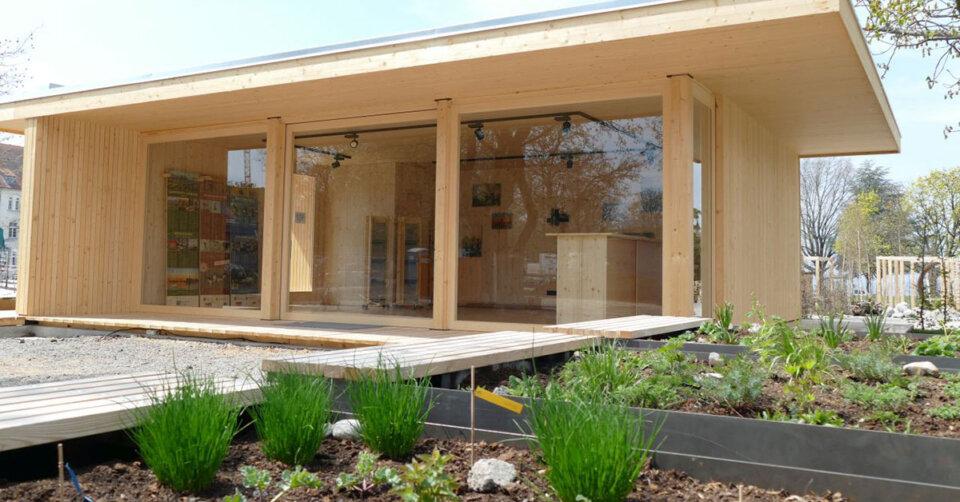 Der Landkreis Lindau bietet zum Ende der Gartenschau seinen Regionalpavillon sowie Inventar zum Verkauf an