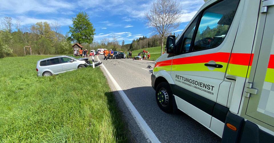 12 Verletzte – Schwerer Verkehrsunfall auf der B12 zwischen Kempten und Lindau