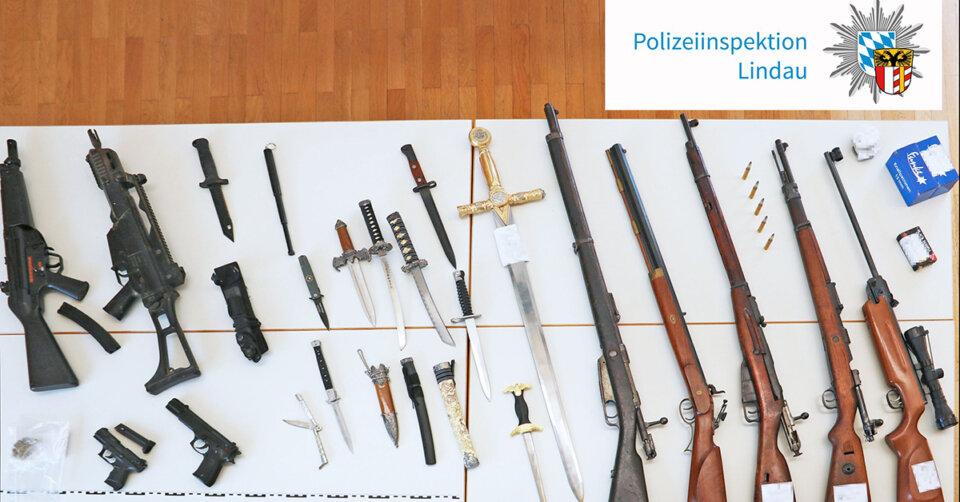 Pistolen, Gewehre und Messer bei Mann entdeckt