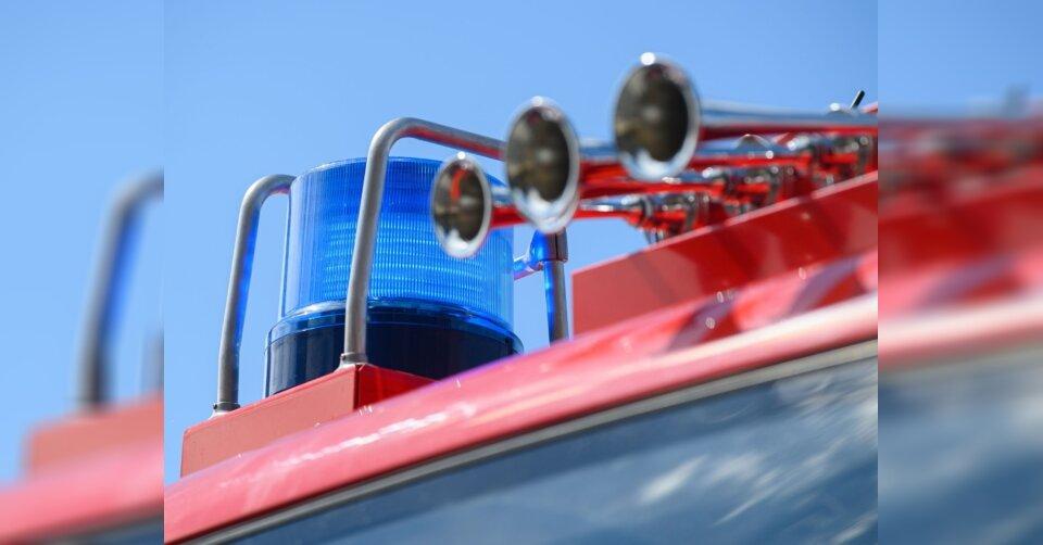 Lkw steht auf A81 in Flammen: Autobahn einseitig gesperrt