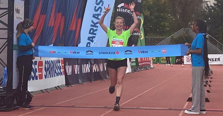 Überquerte die Ziellinie mit einem Lächeln: Katharina Kaiser aus Leichlingen