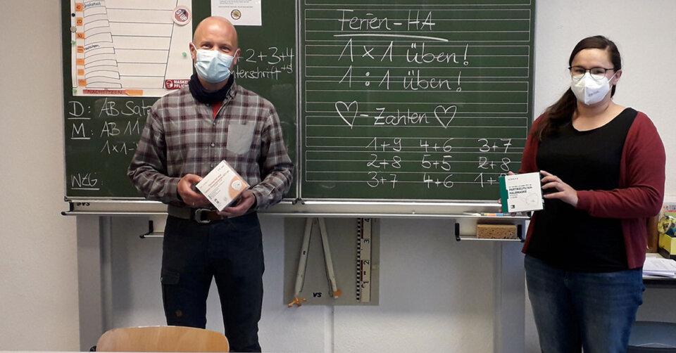 SBBZ-Schüler:innen im Stiftungsgebiet mit medizinischen Masken ausgestattet