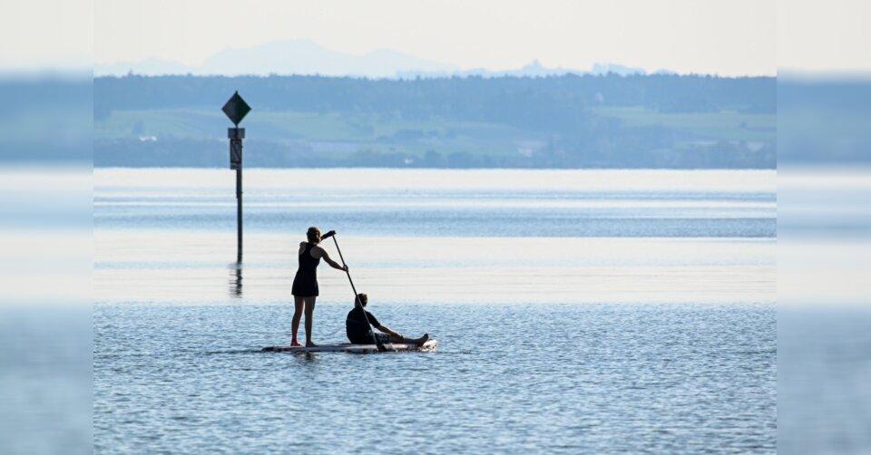 Mehr Verkehr auf Seen: Polizei kontrolliert Stand-up-Paddler