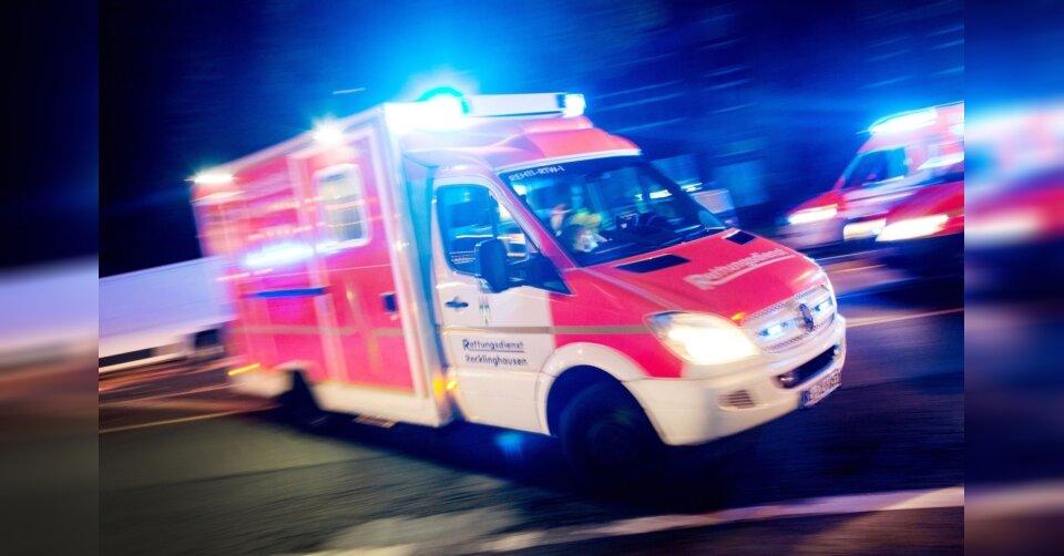 Messerangriff: 24-Jähriger lebensgefährlich verletzt