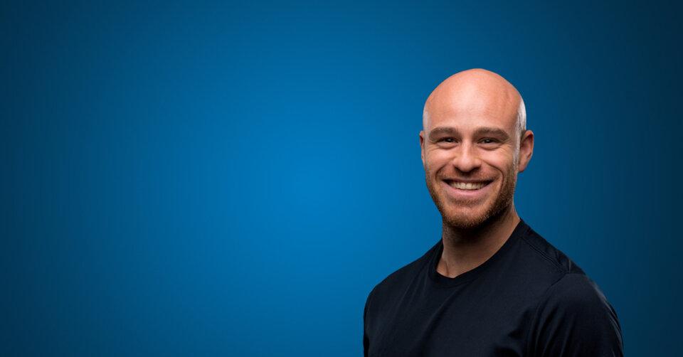 TTF-Fitnesstrainer Mikael Simon regt auf YouTube zum Mitmachen an
