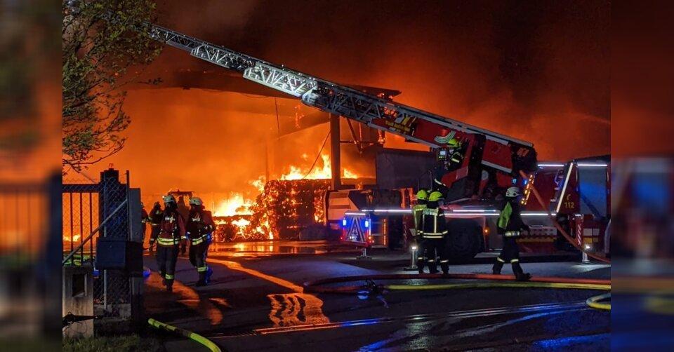Millionenschaden nach Brand in Wertstoffhof