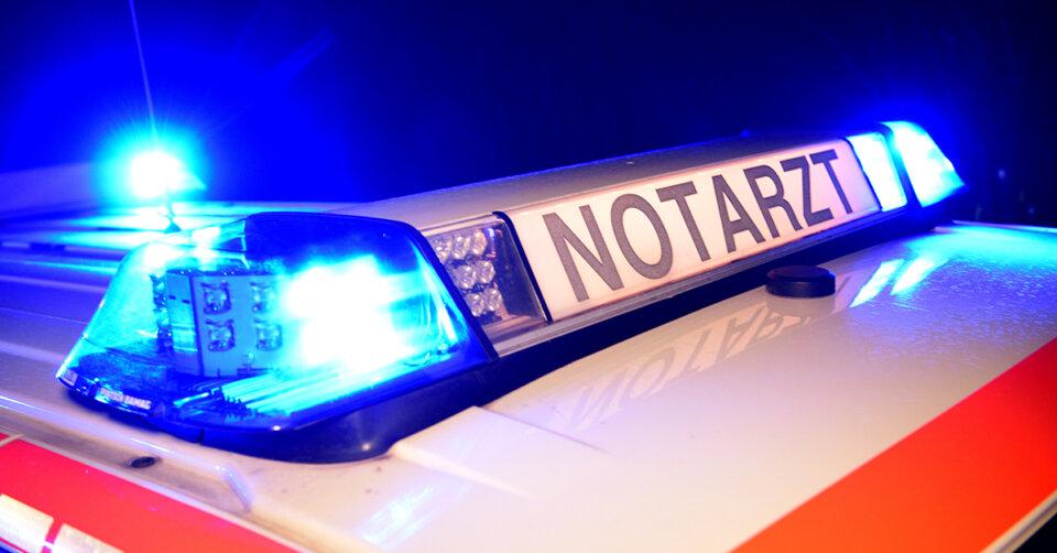 Sturz in drei Meter tiefen Schacht: 55-Jähriger schwerverletzt