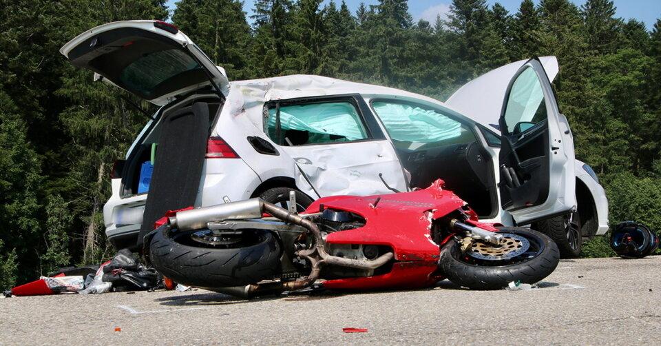 Tödlicher Motorradunfall auf der B 308 bei Oberreute