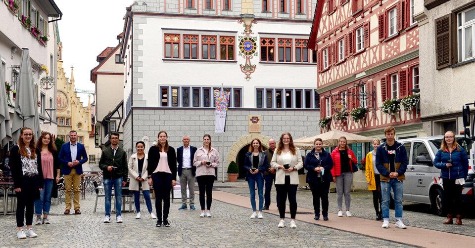 17 junge Menschen haben ihre Berufsausbildung begonnen
