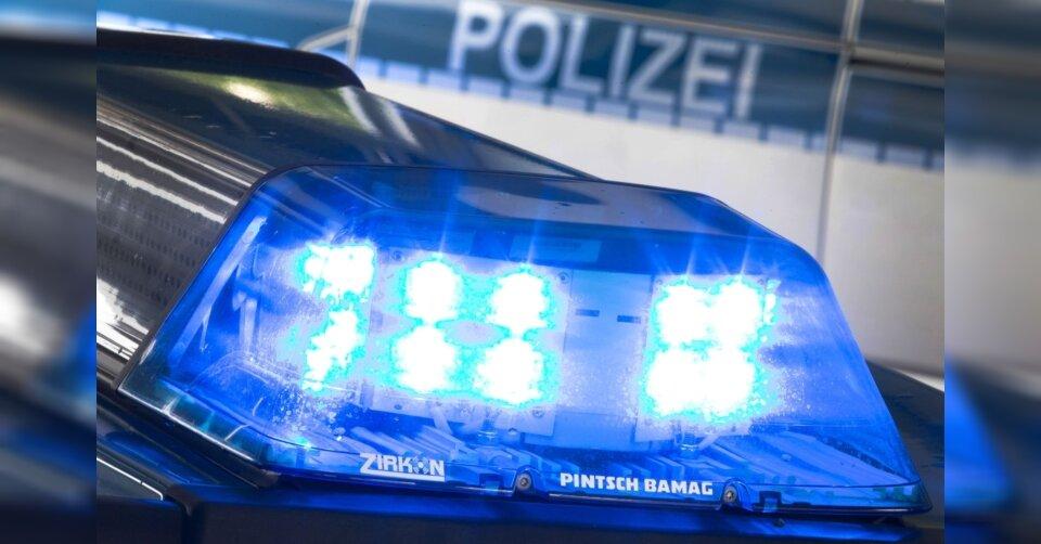 Polizei löst Party mit mehr als 40 Menschen auf