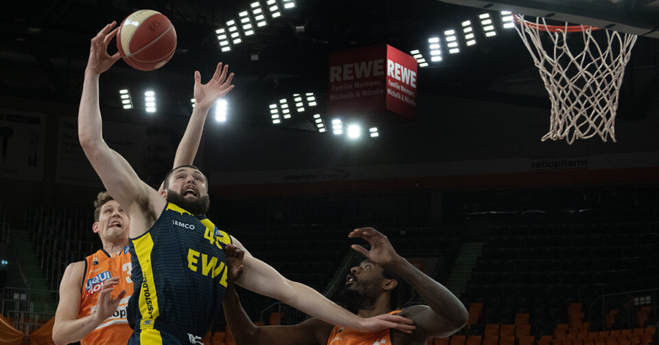 Ulms Basketballer spielen sich ersten Matchball heraus