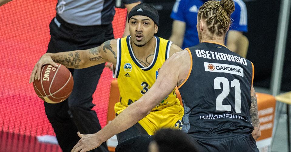 Ulmer Basketballer starten mit Sieg ins Halbfinale