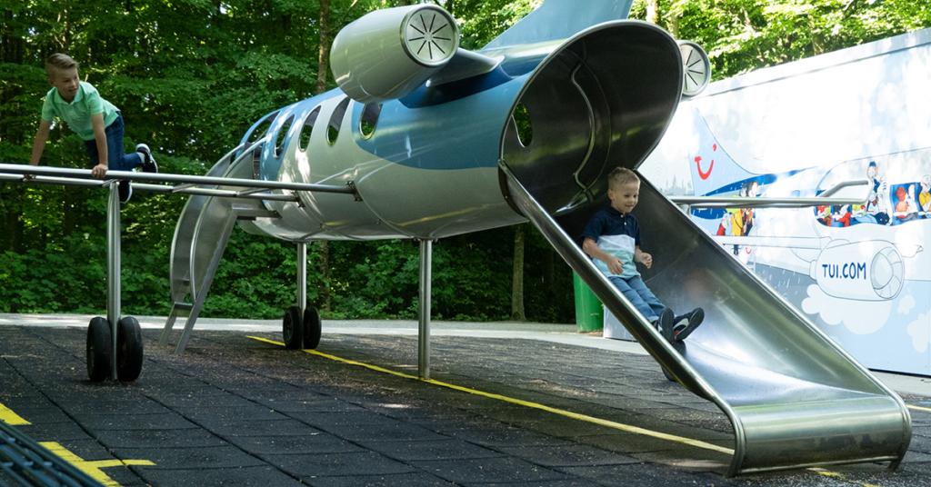 """Am """"TUI fly Kids Airport"""" heißt es """"Start frei!"""" und spielerisch die Welt entdecken: Am und im Flugzeug lässt sich so einiges anstellen!"""
