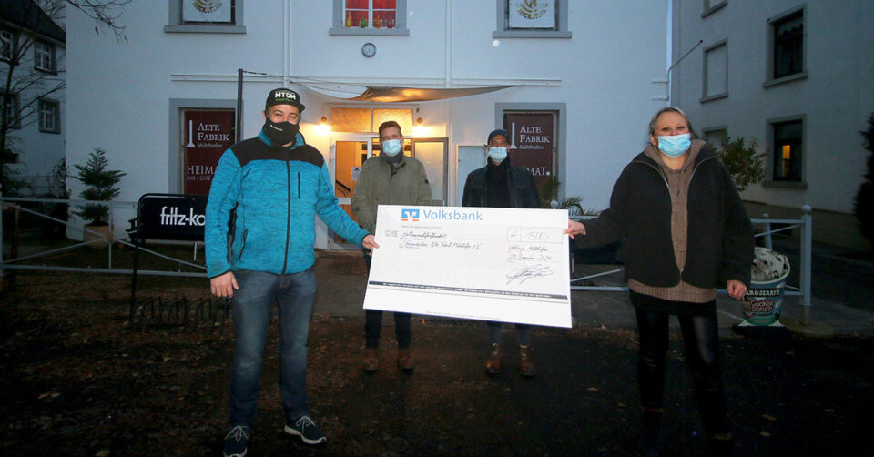 Versteigerungs-Aktion bringt 1500 Euro für die Alte Fabrik