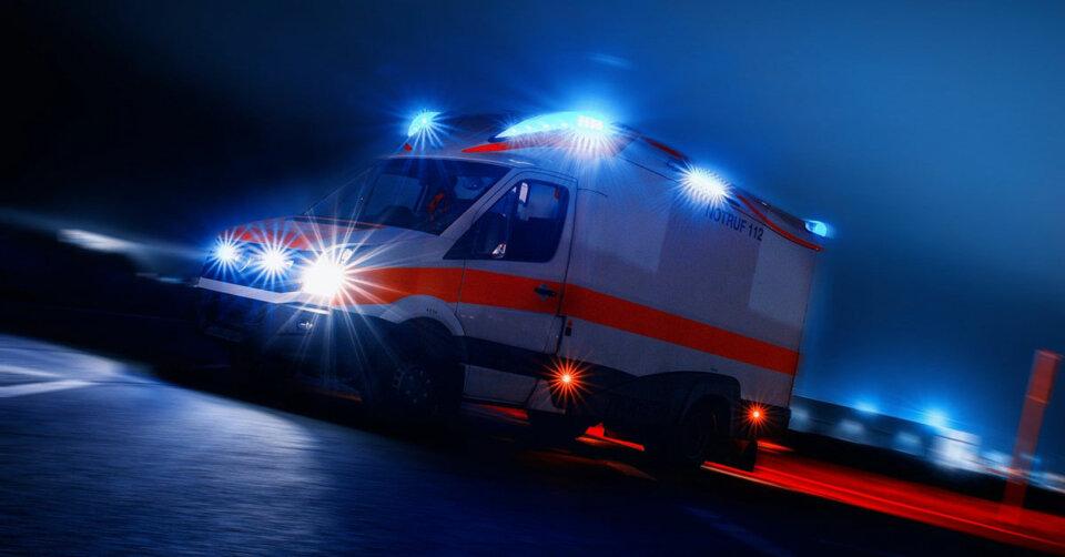 63-Jähriger kommt mit Pkw von der Straße ab und stirbt