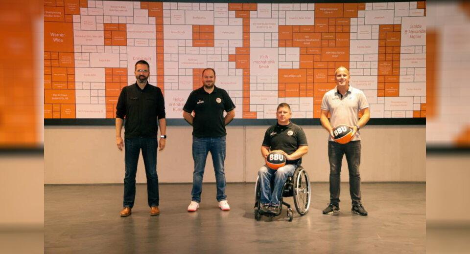Rollstuhlbasketballer beziehen den OrangeCampus