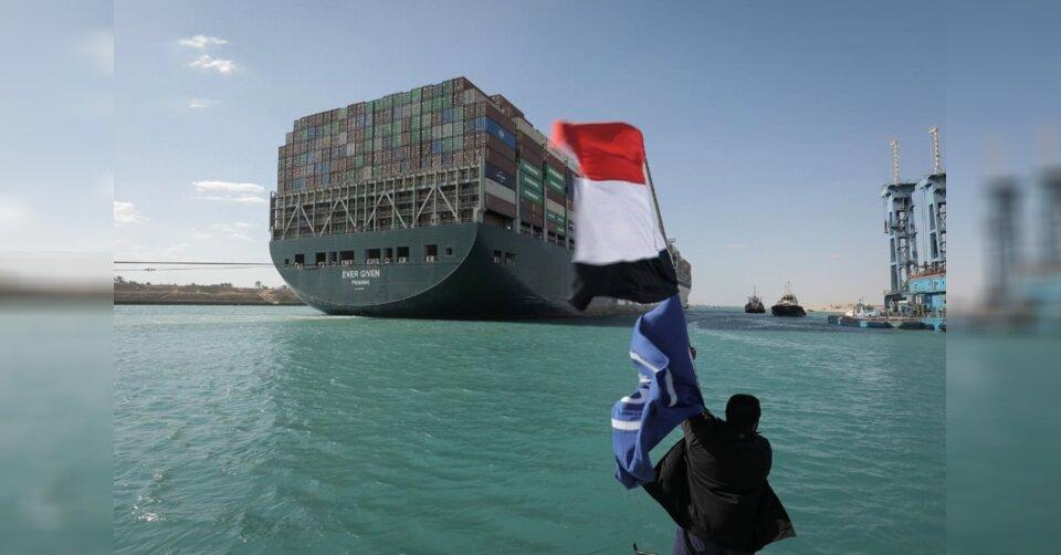 Schiffsverkehr im Suezkanal wieder angelaufen