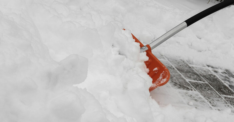 Der Griff zur Schneeschippe ist Pflicht