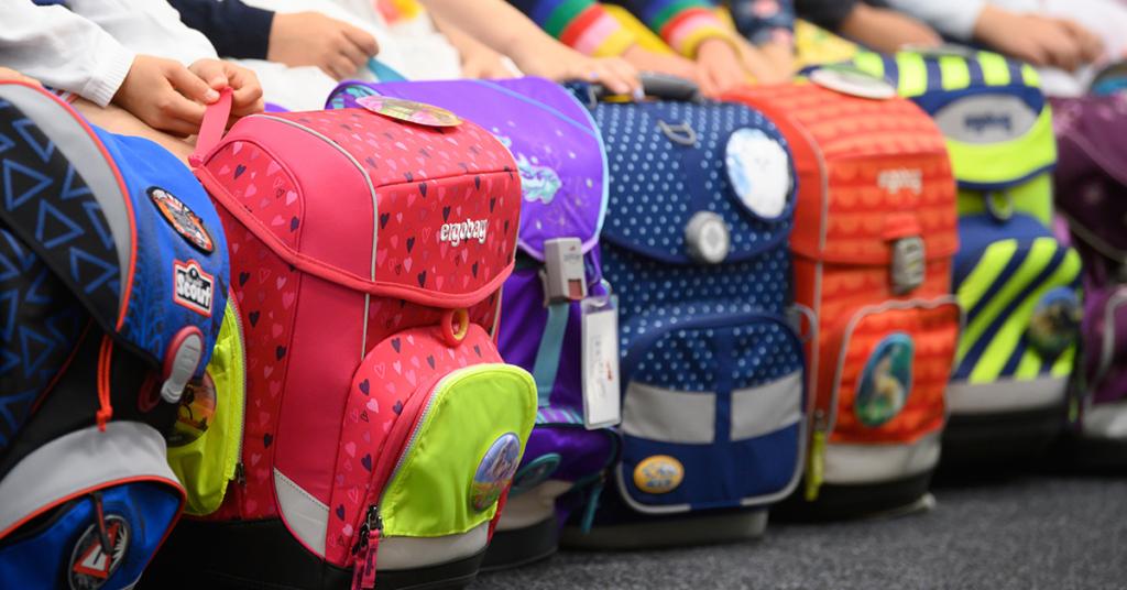 Schulranzen müssen einiges bieten: Tragekomfort, Sicherheit und ausreichend Platz für alle Schulsachen.
